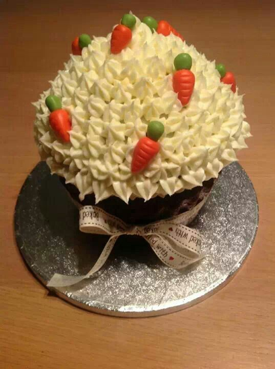 Giant Carrot Cupcake.   My Cakes in 2019   Cupcake cakes ...
