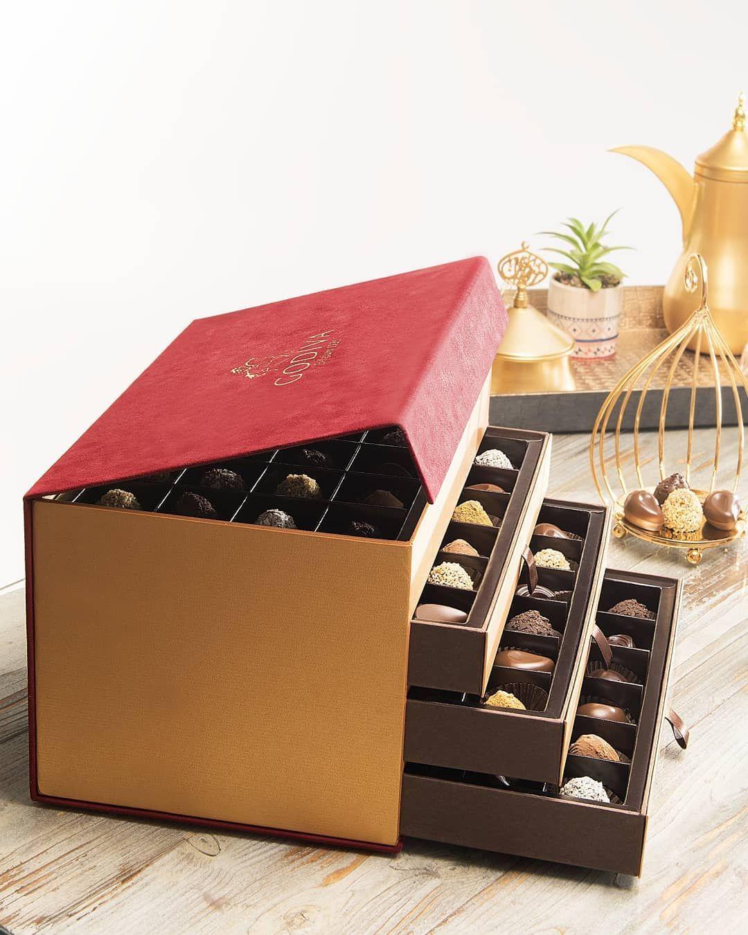 Client Godivaarabia Godiva Godiva Arabia Chocolate Berries Strawberry Raspberry Blueberry Cake Sincake Choco Je Chocolate Gifts Music Instruments