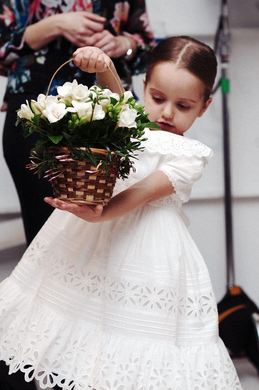 ls-ru imagesize:956x1440 @@ 1000+ images about Flower Girl on Pinterest | Oscar de la Renta, Wedding and Flower
