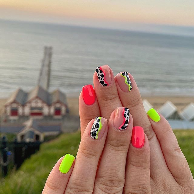 Decided to go bright for the summer again. Can't get enough of these neon colours!  Taken on our lovely walk in the sunset tonight🥰  #sunset #beachphotography #beachlife #beachnails #beachnailsready #neonnails #summernails #summervibes #summertime #summer2020 #lockdownnails #cowprintnails #nailart #saltburnbythesea #saltburnclifftramway #saltburnpier #saltburnsea #thegelbottleinc #thegelbottle #thegelbottleuk #thegelbottlebiab #thegelbottleclearbiab #thegelbottlerubberbase #thegelbottlebiab20 #