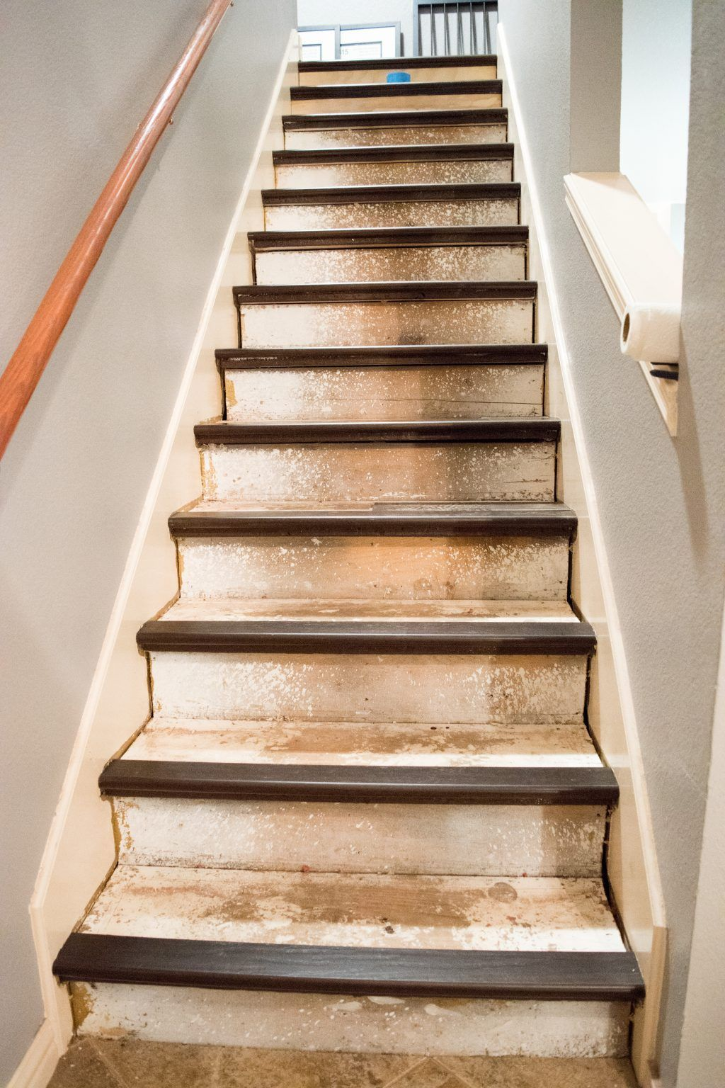 Best Caps Carpet And Caulk Stair Makeover Stairs Concrete 640 x 480