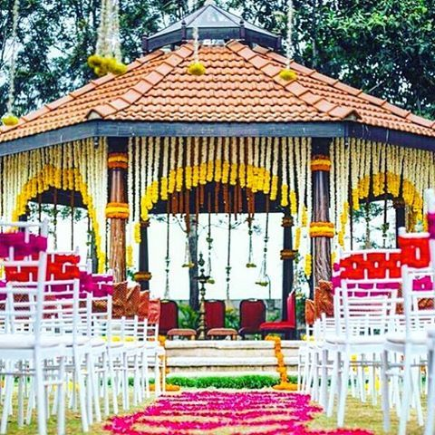 Were clearly tripping on gorgeous south indian weddings this week were clearly tripping on gorgeous south indian weddings this week today outdoor wedding decorationswedding junglespirit Gallery