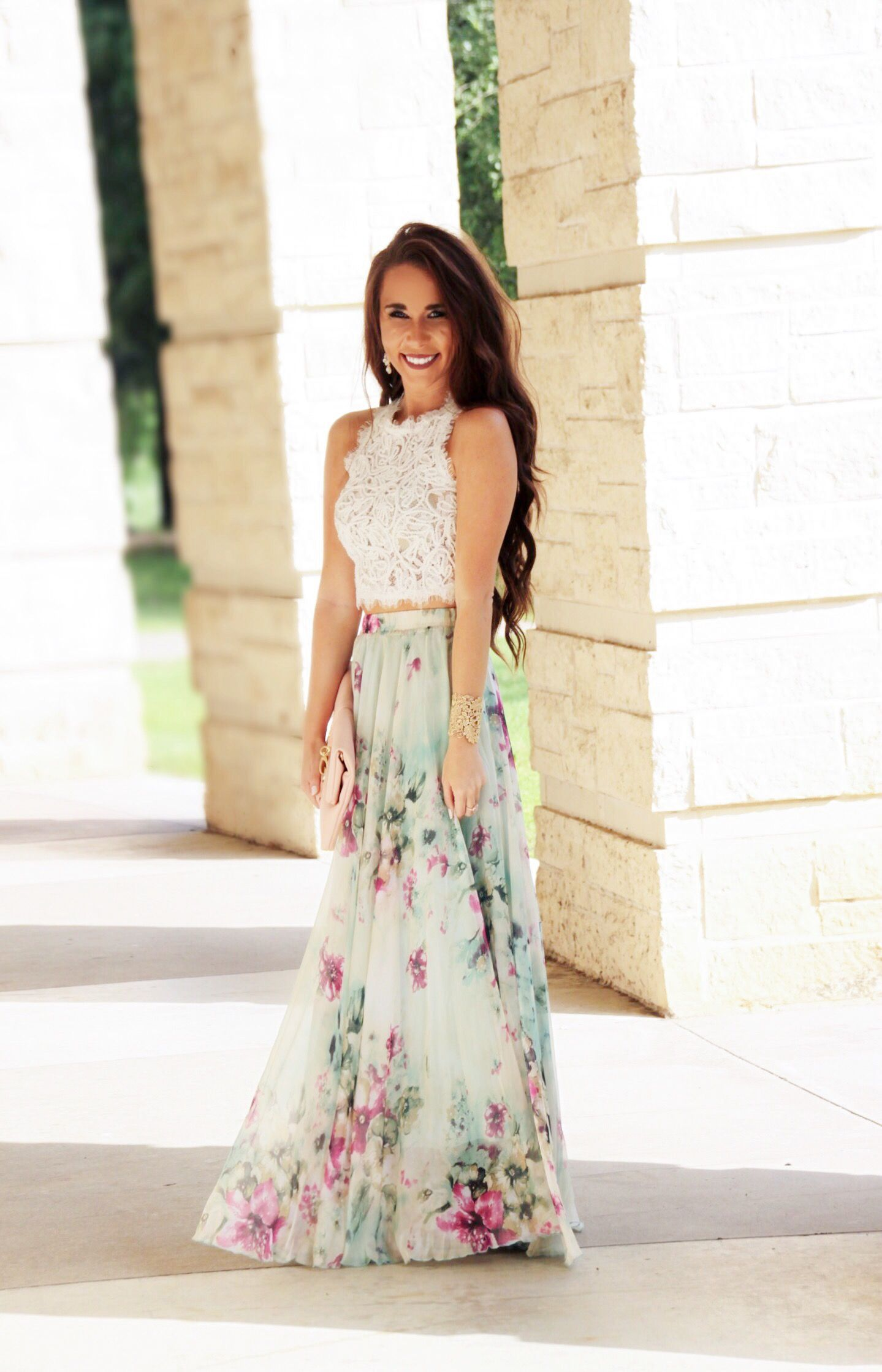 16 Beautiful Maxi Skirt Outfits for Summer foto
