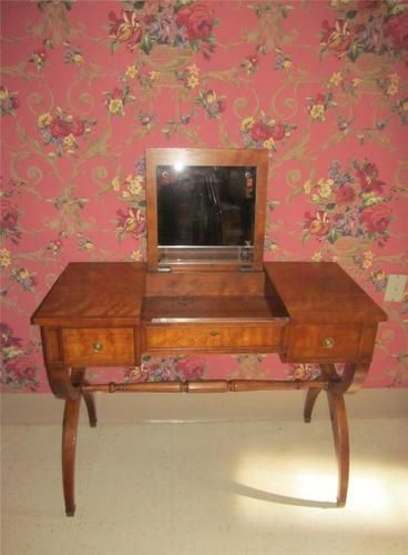 Kindel Vanity Desk With Lift Up Mirrored Lid Ebay Vanity Desk Kindel Vanity