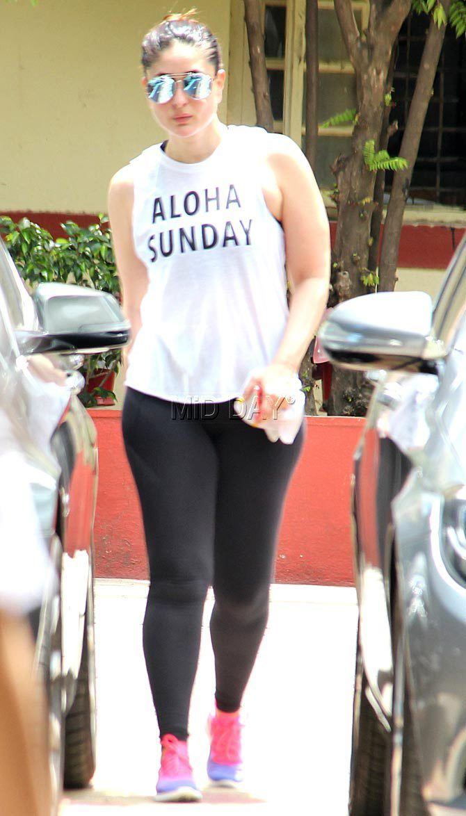 Looks like Kareena Kapoor Khan is missing Sunday, Bebo sported a white top which read 'Aloha Sunday'