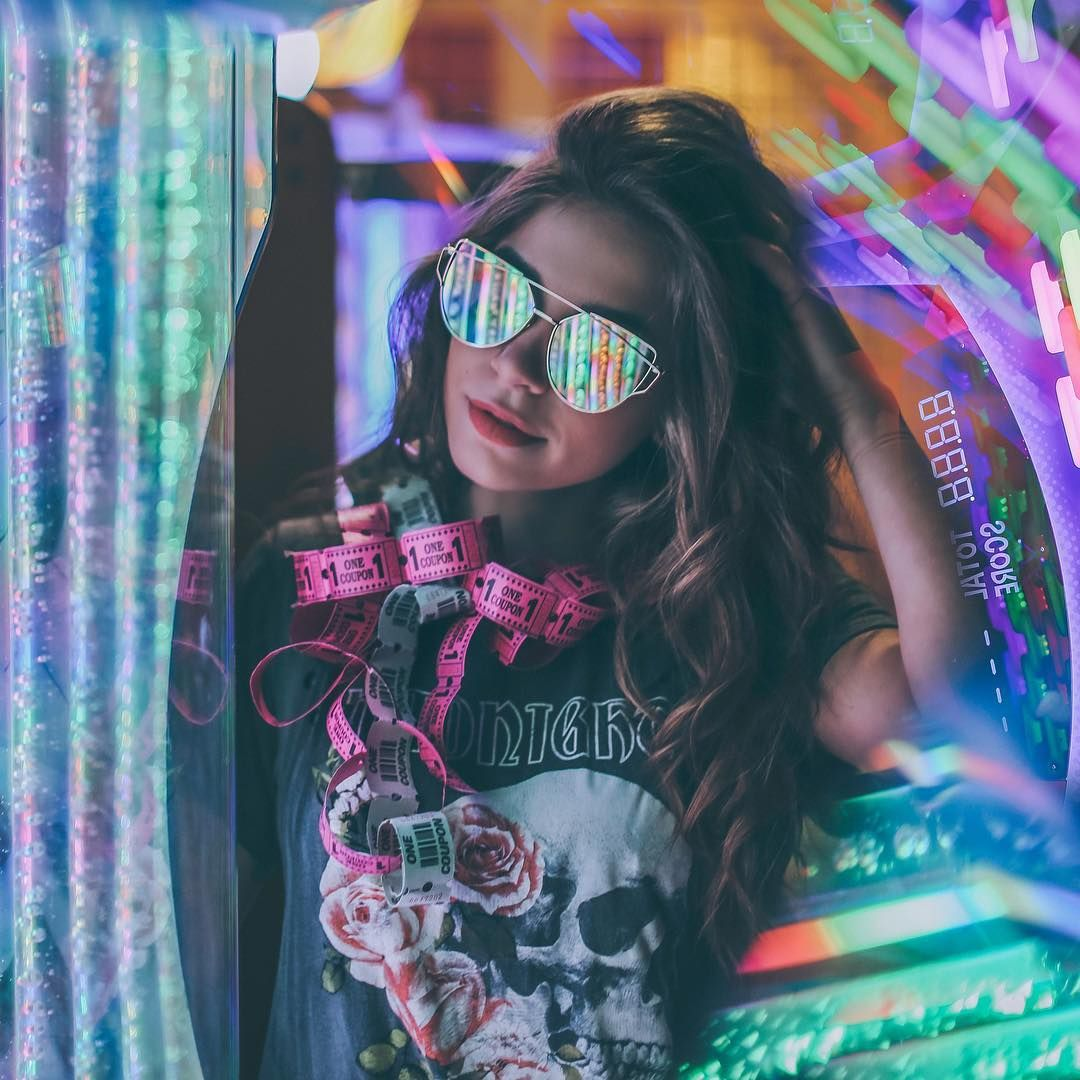 Vibrant and Moody Lifestyle Portrait Photography by The Dreamers Eye | Stylish photo pose, Portrait photography poses, Neon photography