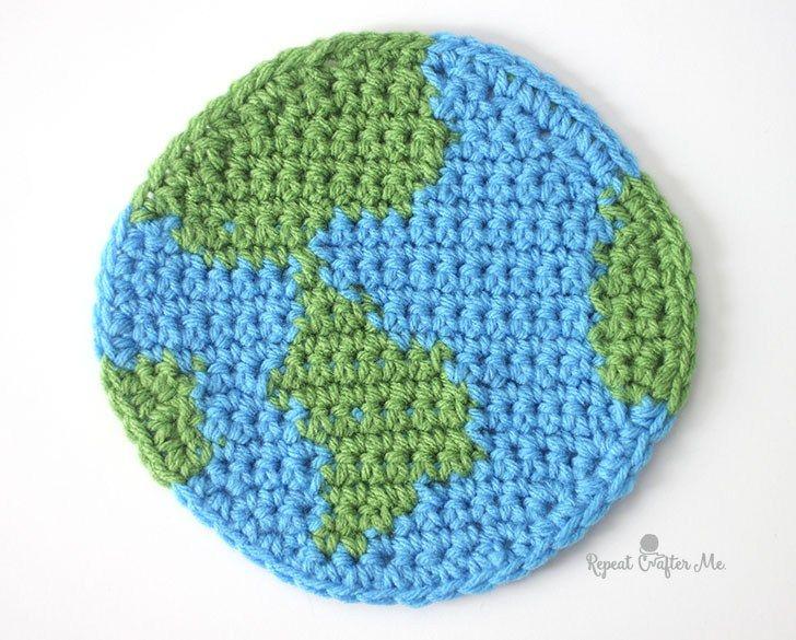 Crochet Planet Earth Cuddle Buddy   Amigurumi häkeln, Amigurumi und ...