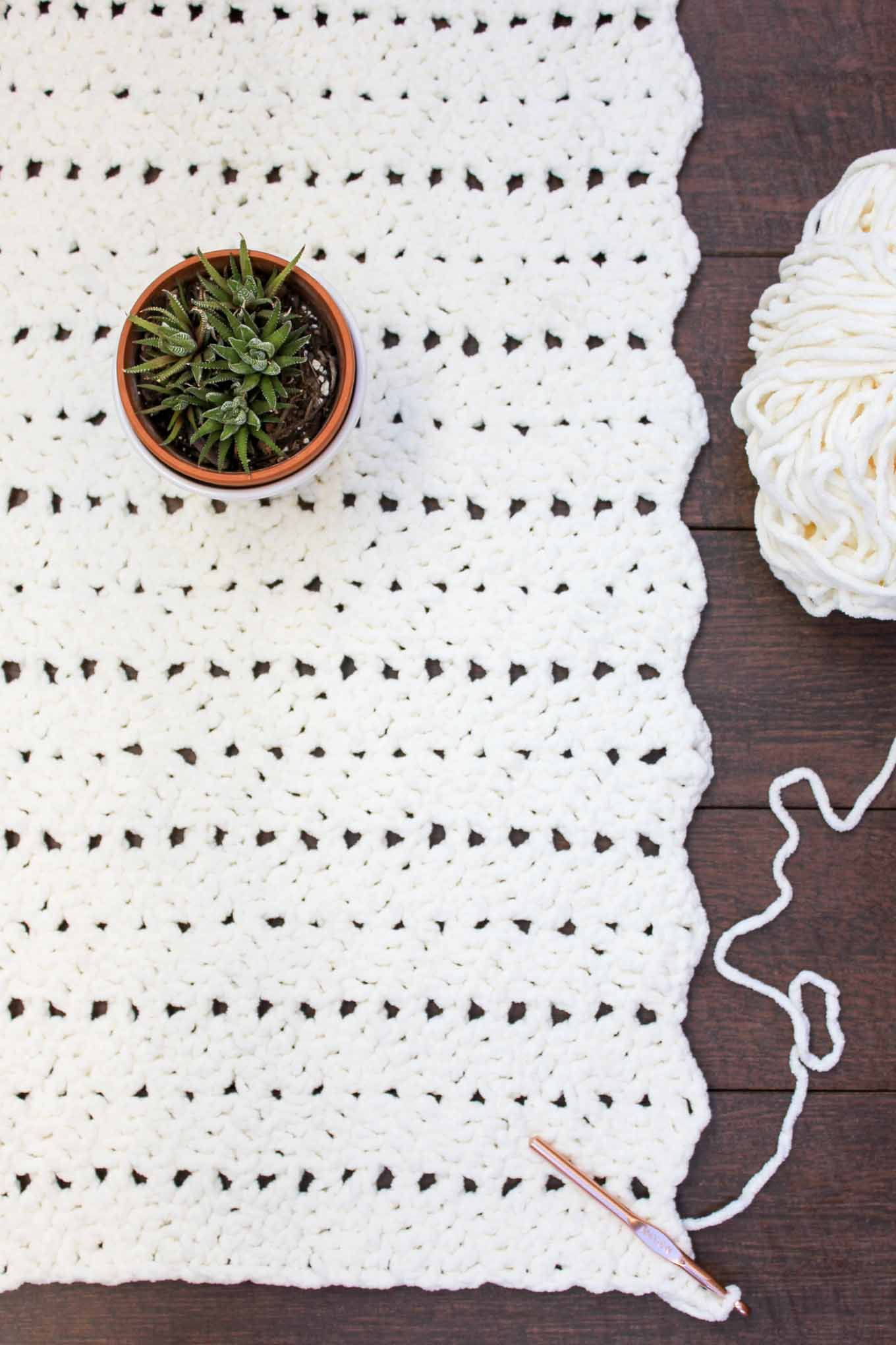 Free Modern + Chunky Crochet Blanket Pattern - Beginner-Friendly ...