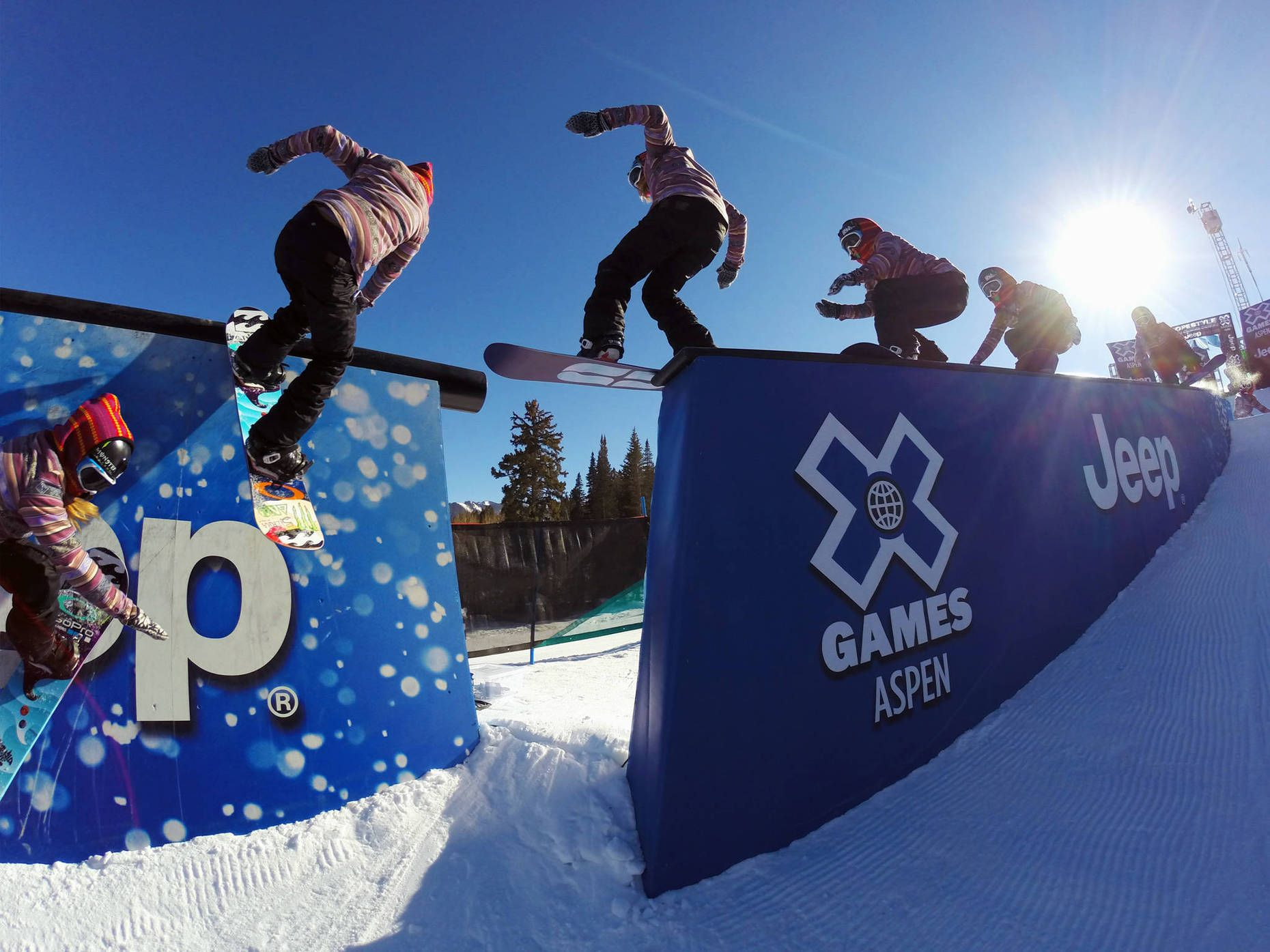 Jamie Anderson take a warm up lap on the Slopestyle course.