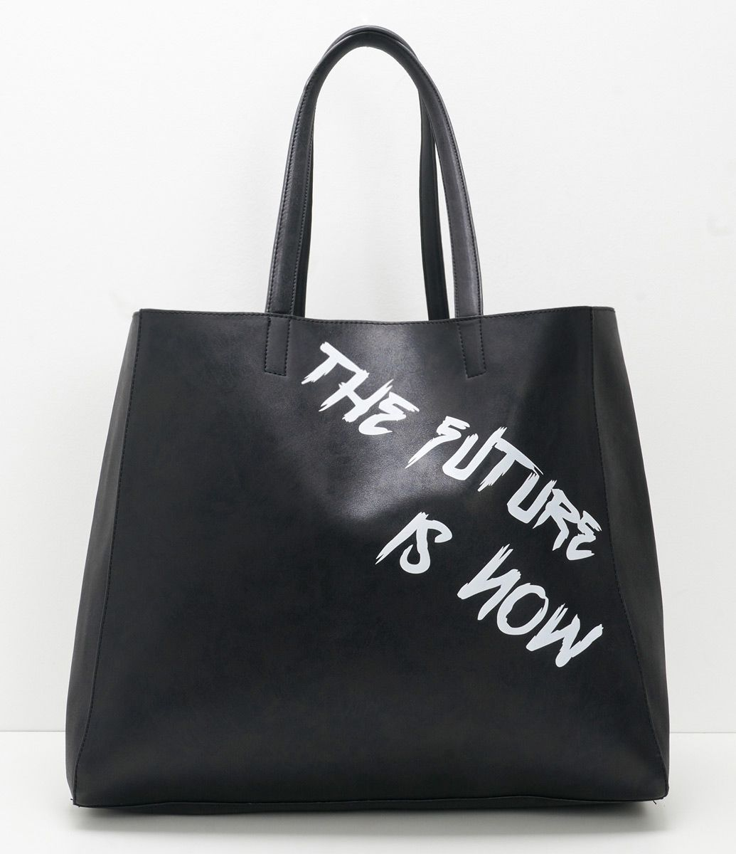 36f5d7e10 Bolsa feminina Modelo shopper (sacola) Grande Com lettering Marca: Satinato  Material: sintético Composição: 100% poliuretano Composição do forro: 100%  ...