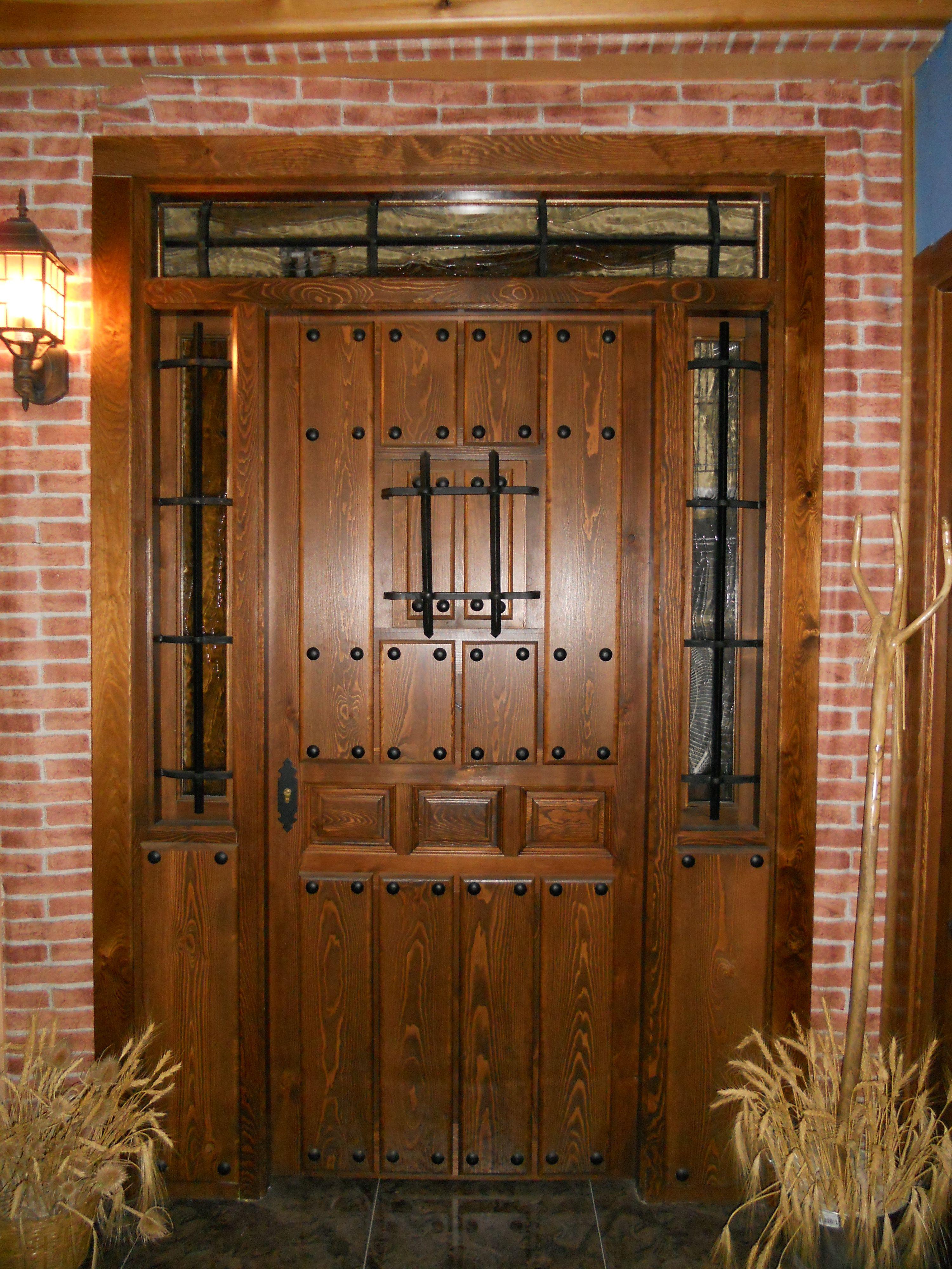Puerta de entrada r stica puertas pinterest puertas - Herrajes rusticos para puertas ...
