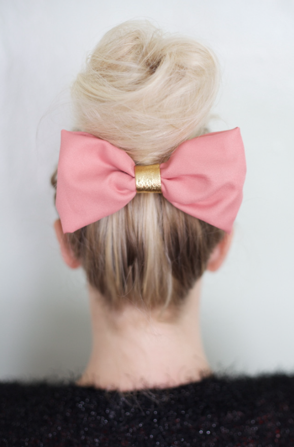 Note From The Editor Big Bun Bun Bow And Hair Accessories - Hairstyle bun with bow