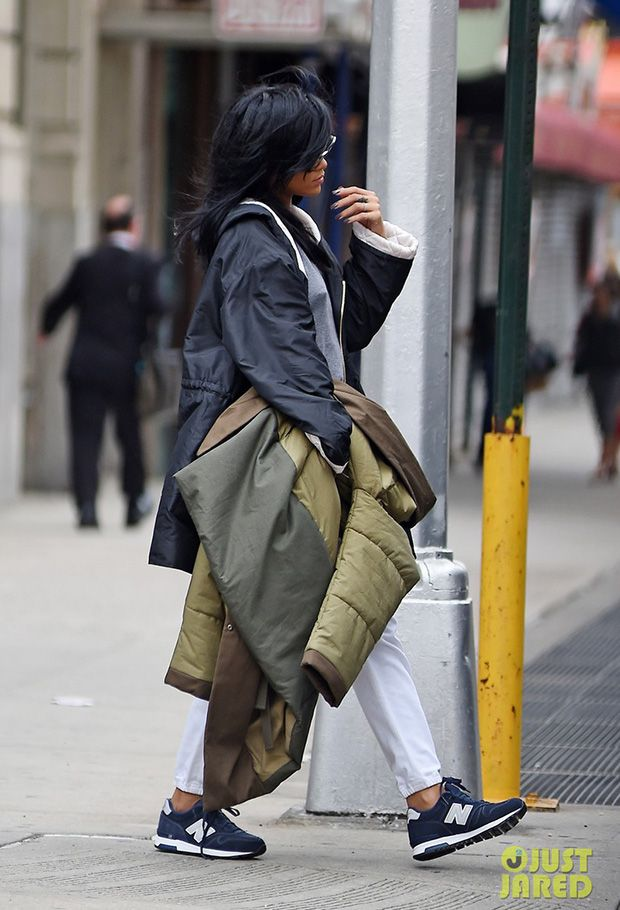 rihanna in the new balance 565 suede sneakers