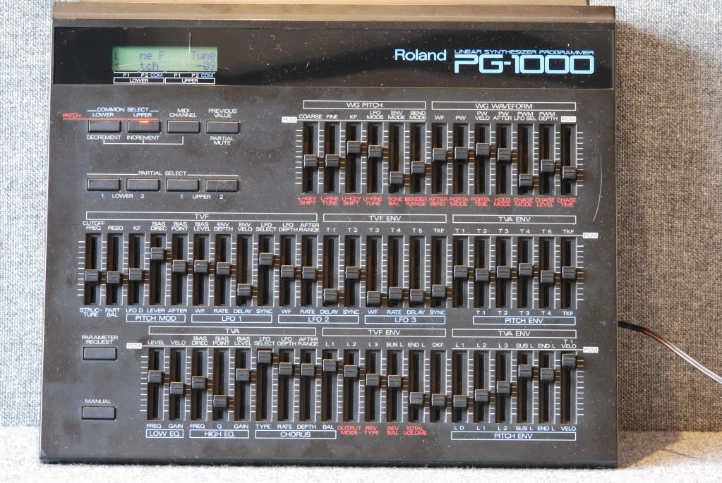 roland pg1000 synthesizer in 2019 drum machine vintage keys music instruments. Black Bedroom Furniture Sets. Home Design Ideas