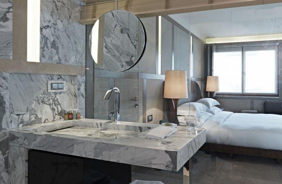 transparent glass wall bathroom design