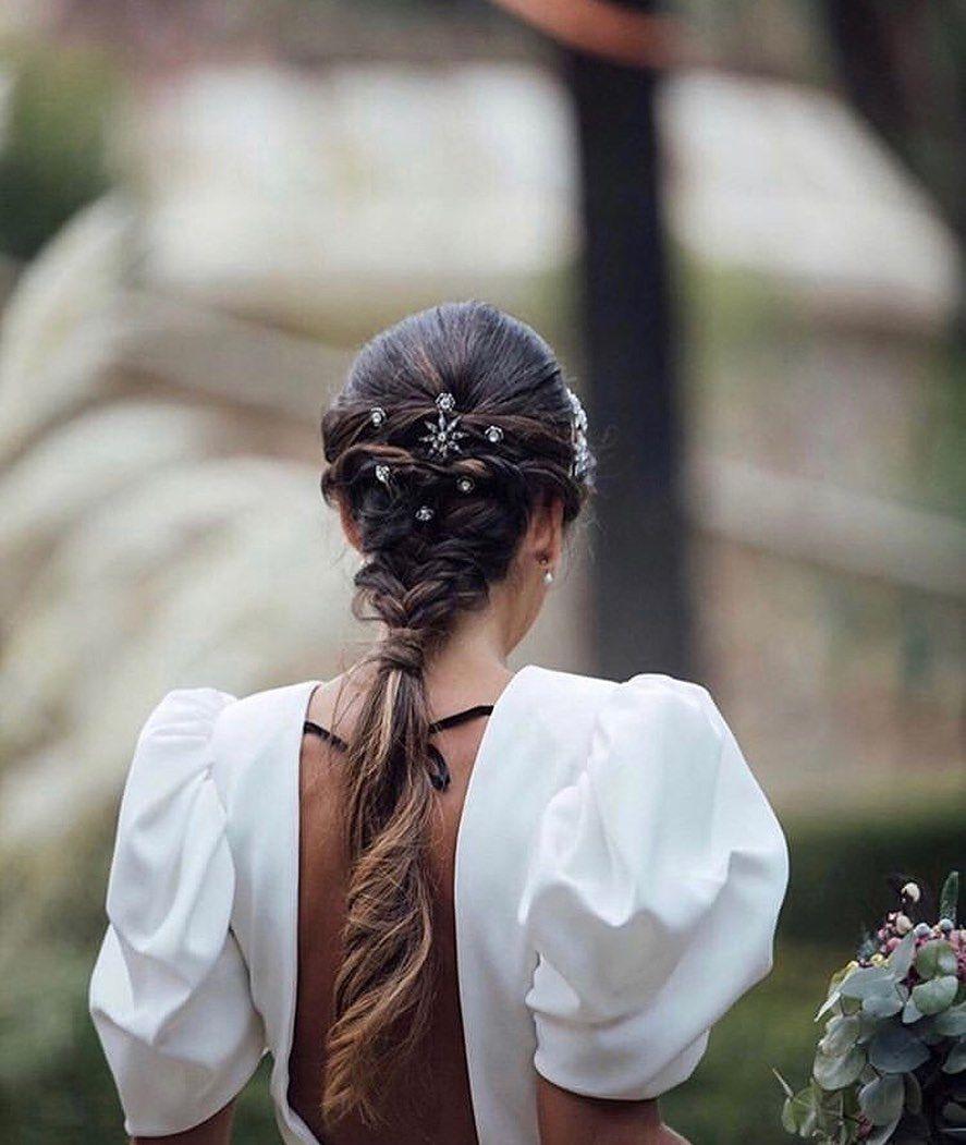 Nos encanta 🥰 — ¿Y a vosotras? ☺️ — Pic @kiwo_estudio Hair Style @santospeluqueros Vestido @panambicollection . . .