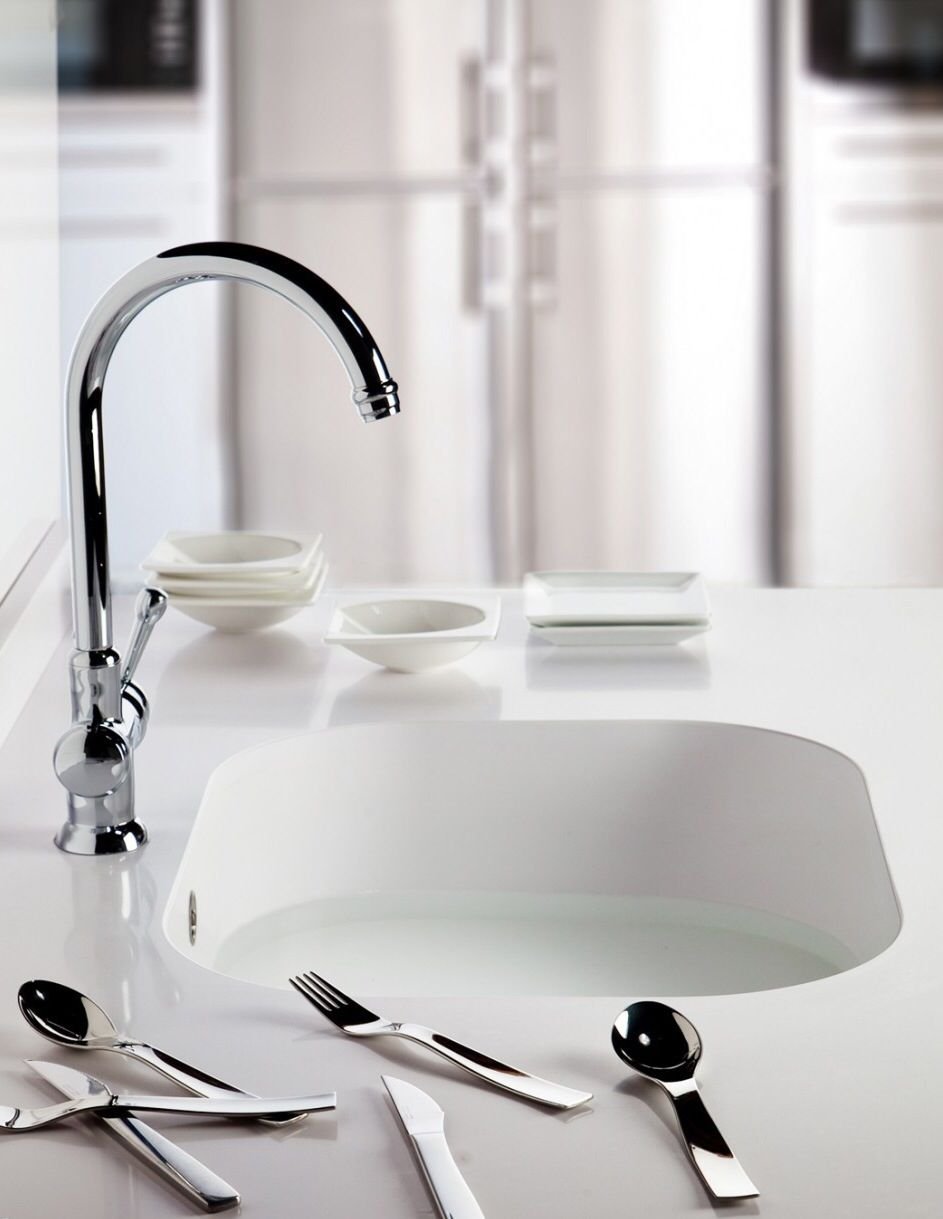 Silestone integrity sink blanco zeus cosentino for Silestone kitchen sinks