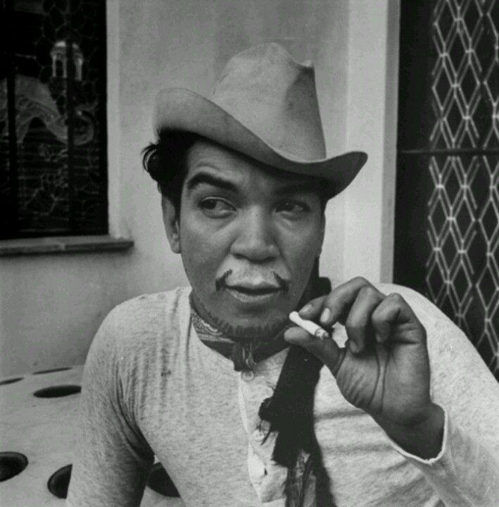 Cantinflas bigote famoso.