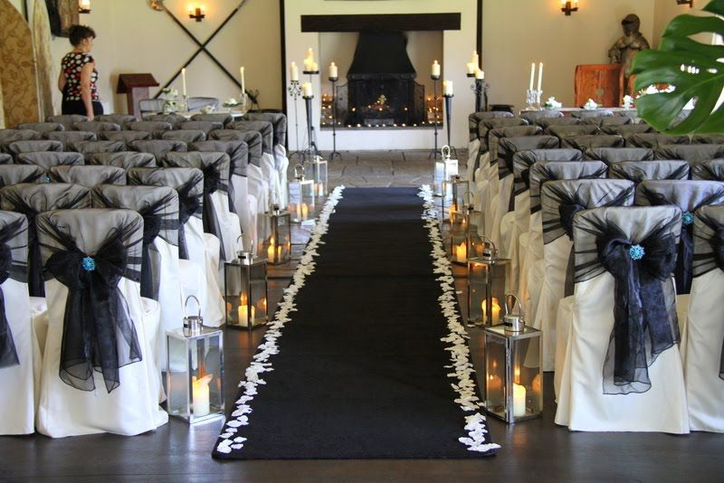 really love the idea of incorporating lanterns into the decor ...