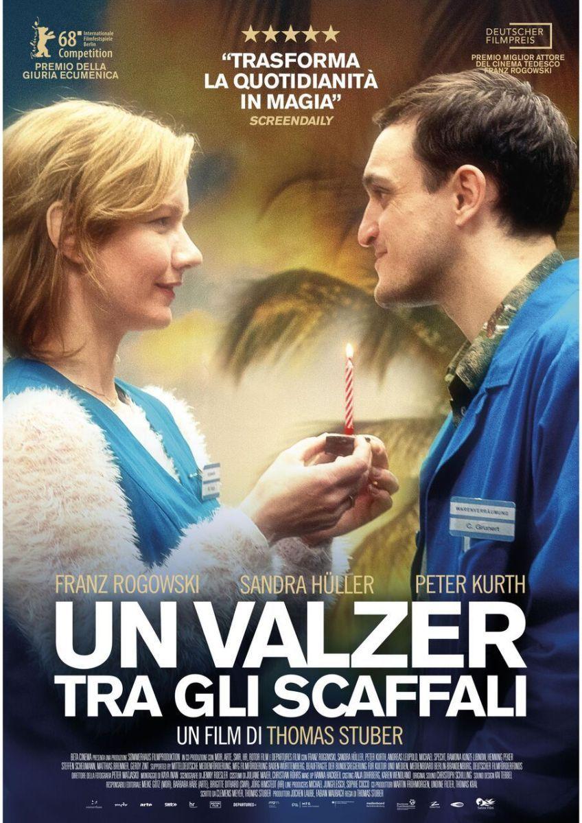 Un Valzer Tra Gli Scaffali Una Storia Semplice Valzer Storie Semplici Film Romantici