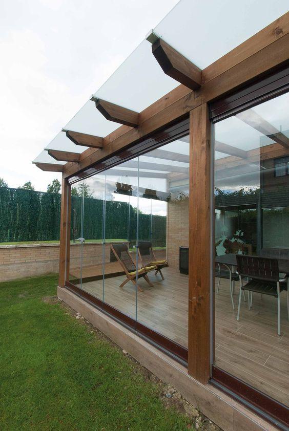 Terrazas y balcones cerrados con lona cristal ideas - Lonas para techos ...