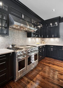 Off White Marble Countertop And A White Ceiling Balance