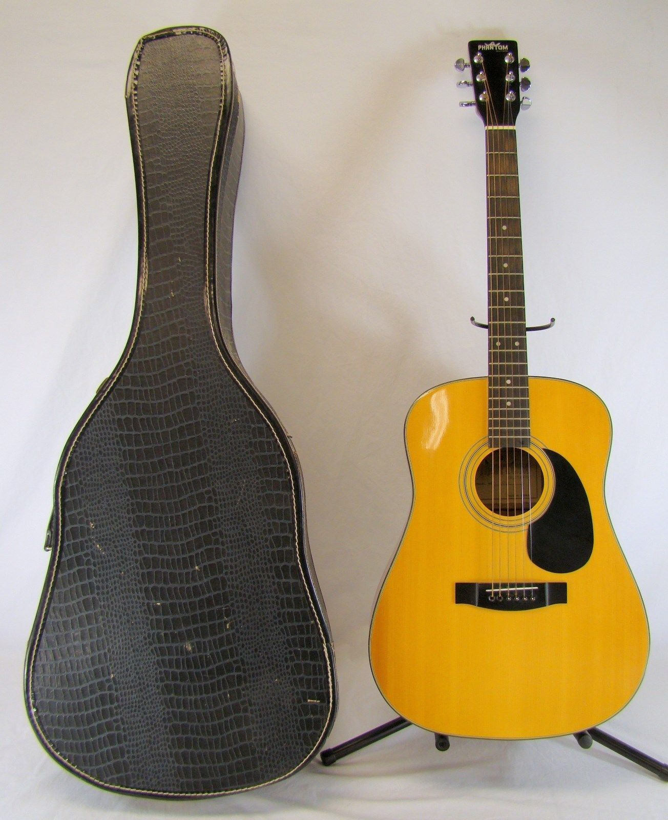 guitar PHANTOM MODEL DA1 ACOUSTIC GUITAR WITH GROVER TUNERS AND HARD CASE please retweet