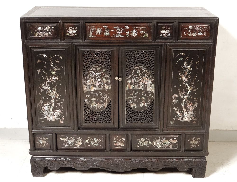 Petit meuble cabinet bois nacre indochine vietnam for Meuble asiatique paris