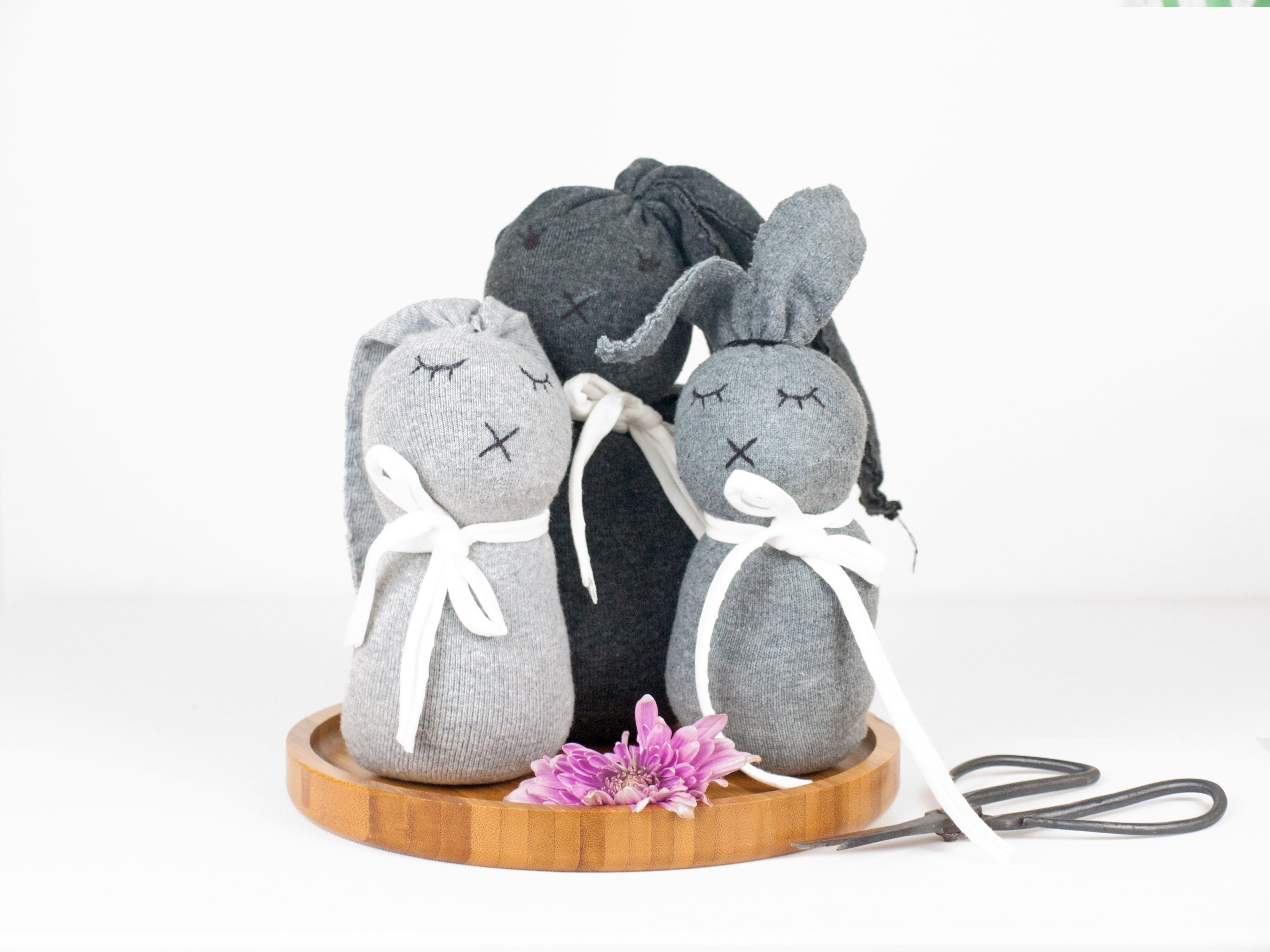neu kaninchen spielzeug selbst machen anleitung tierspielzeug. Black Bedroom Furniture Sets. Home Design Ideas