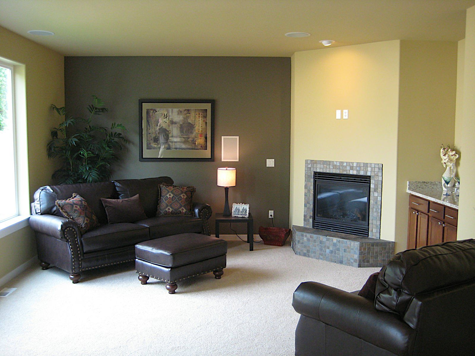 Why It Makes Sense to Hire an Interior House Paint
