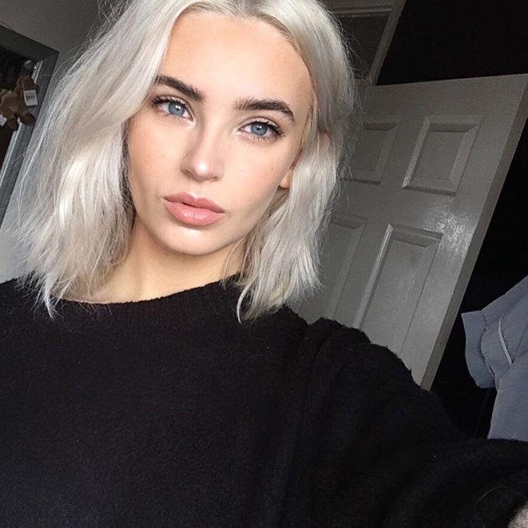 Atlanta On Instagram Blonde Hair Dark Eyebrows Blonde Hair Pale Skin Hair Pale Skin