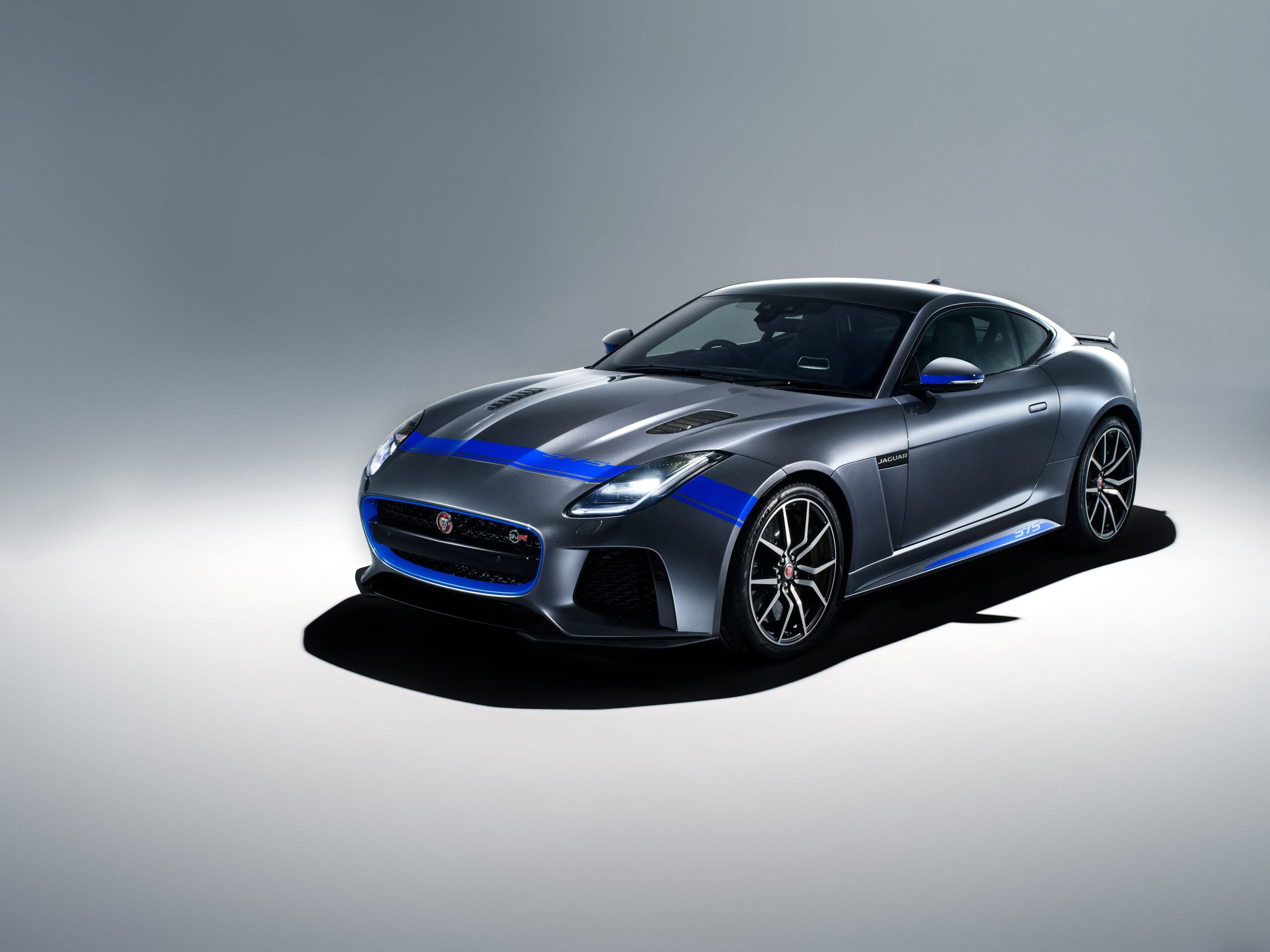 Jaguar F Type Svr Supercar Got New Graphic Packs Jaguar F Type Jaguar New Jaguar