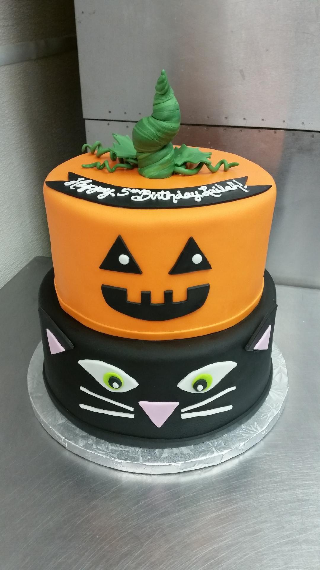 Happy Halloween Halloween treats, Happy halloween, Halloween