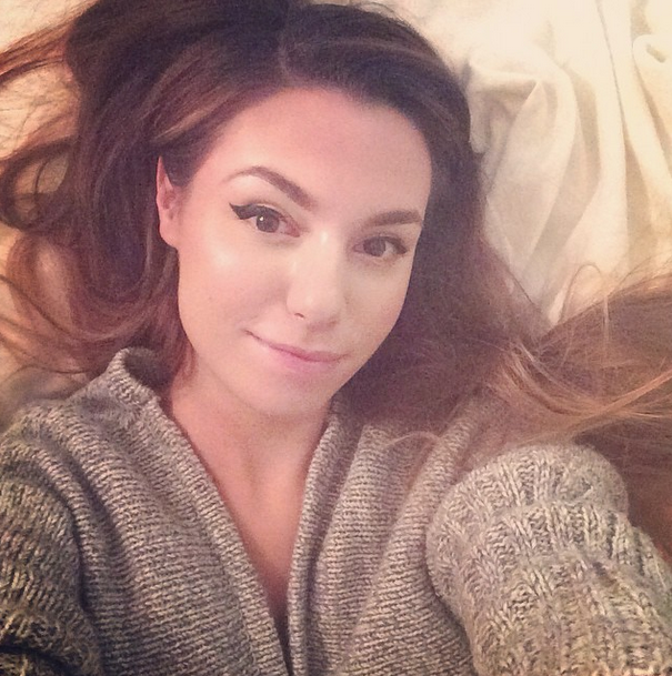 itsmarziapie - Done editing tomorrow's video, now I can relax in bed and eat Nutella all night ;)