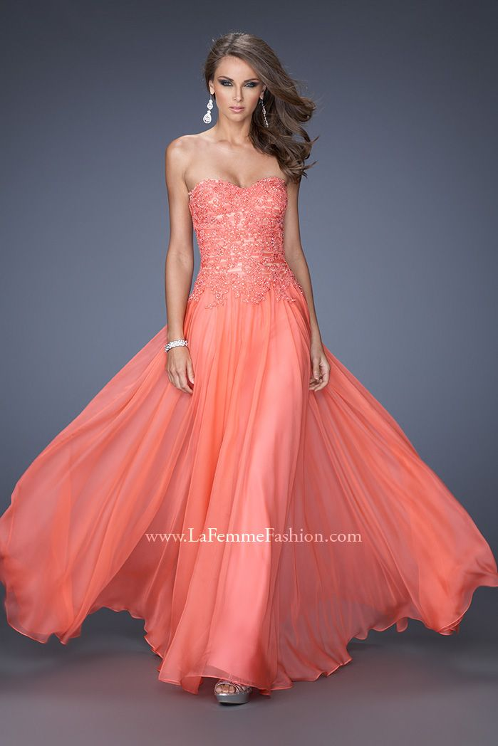 Flowing lace from La Femme Fashion #ipaprom | Prom Dresses ...