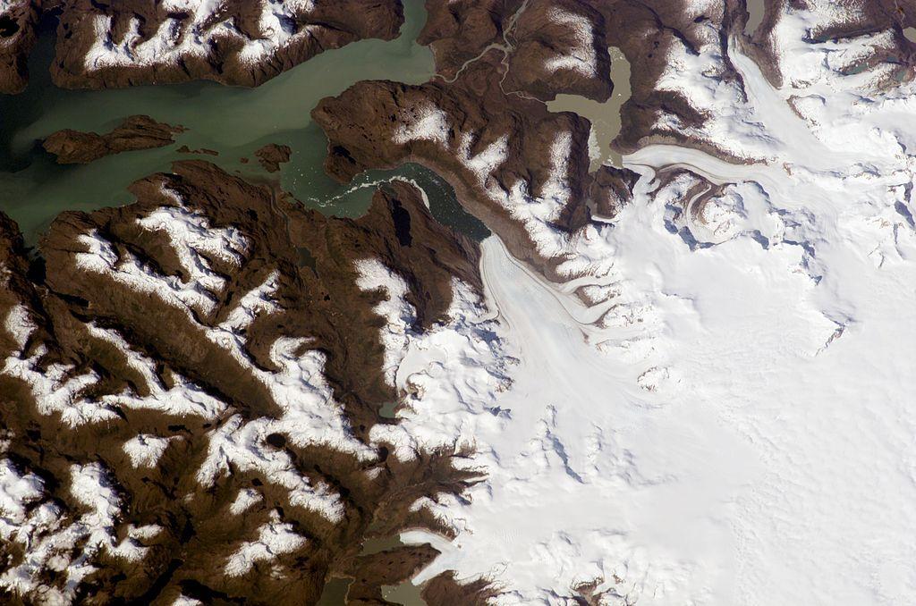 Glaciar Jorge Montt. Campo de Hielo Sur. Chile.  es.wikipeda.org