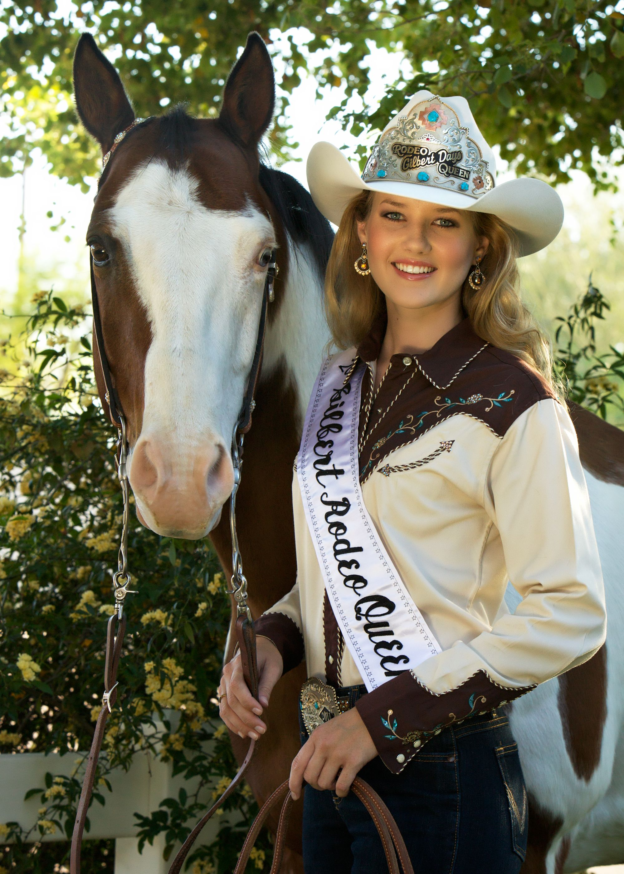Rodeo Queen And Horse Photos - Google Search  Senior -4600