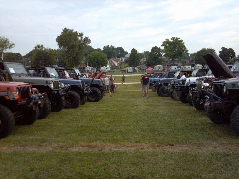 All Lined Up At The All Breeds Jeep Show York Pa Jeep Antique Cars