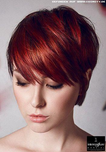 Frisuren Bilder Kurzes Haar Mit Vollem Pony Schmal Hinters Ohr Gestrichen Frisuren Haare Frisuren Kurze Haare Rot Kurze Rote Haare Kurze Haare Mit Pony