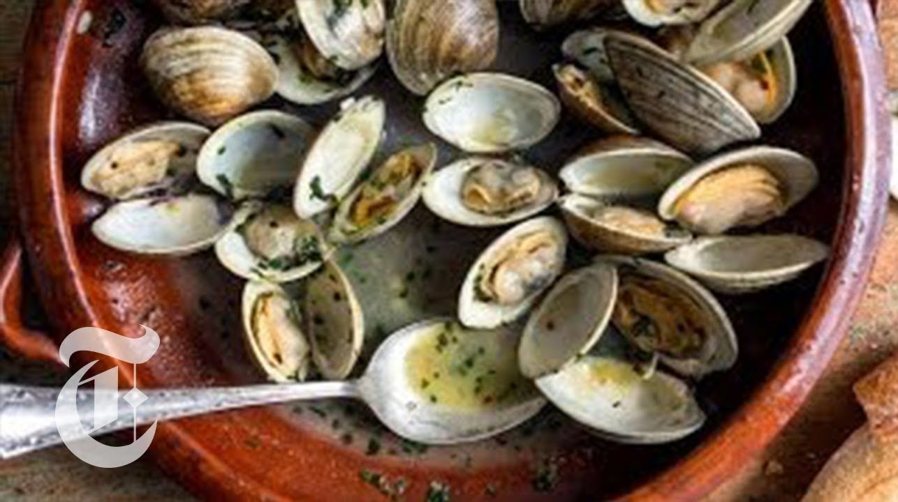 Steamed clams with spring herbs melissa clark recipes the new steamed clams with spring herbs melissa clark recipes the new york times forumfinder