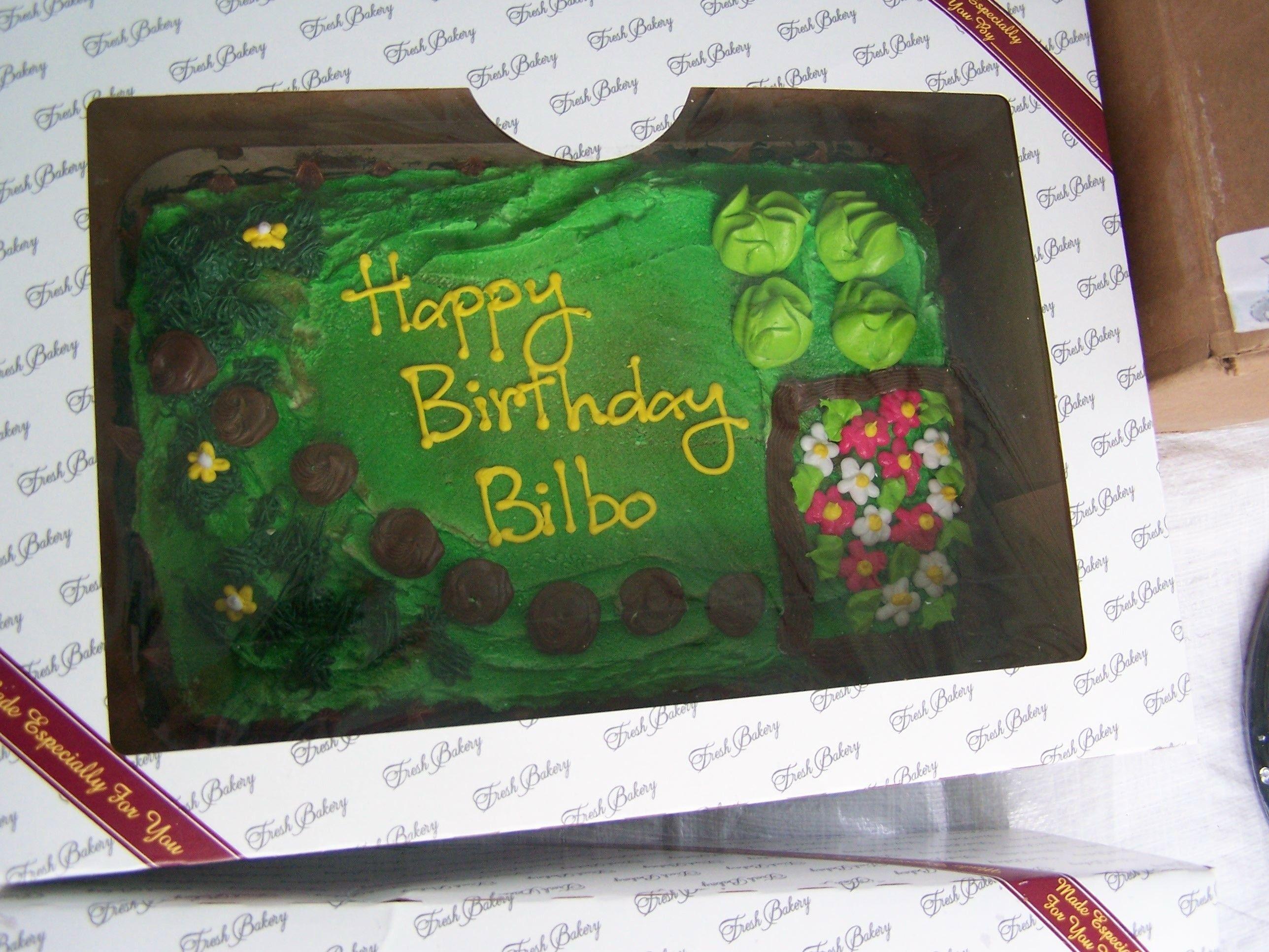 Bilbo Bagginss Birthday Cake Lordoftherings Bilbobaggins Funny