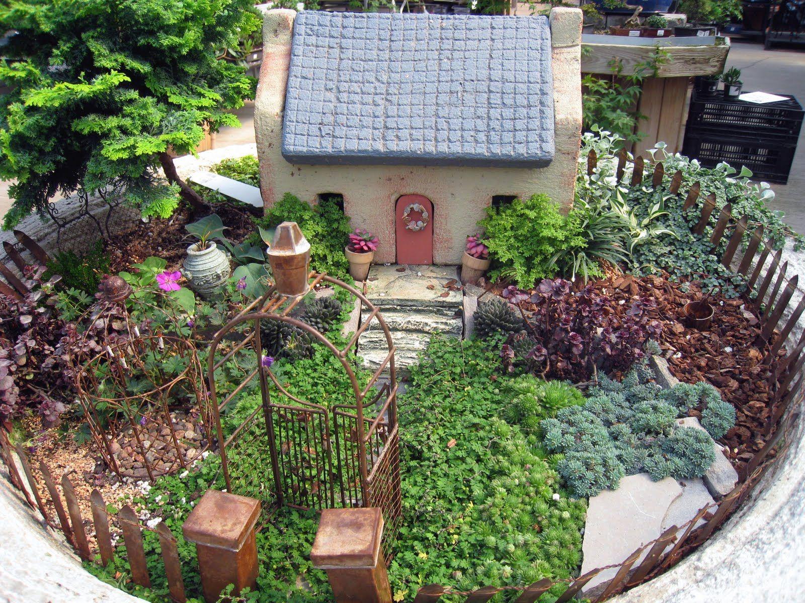 Anne Reeves: Cottage Garden