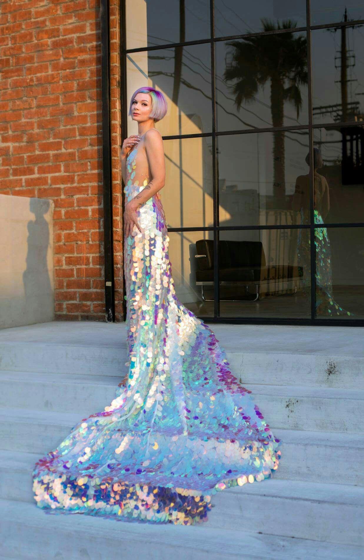 PINTEREST: KIANIA | DRESSES | Pinterest | Hologramm, Satinkleider ...