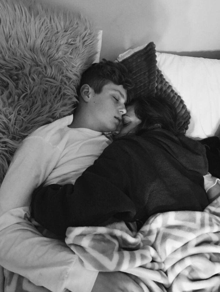 Фото спящих пар великие луки работа для девушек в