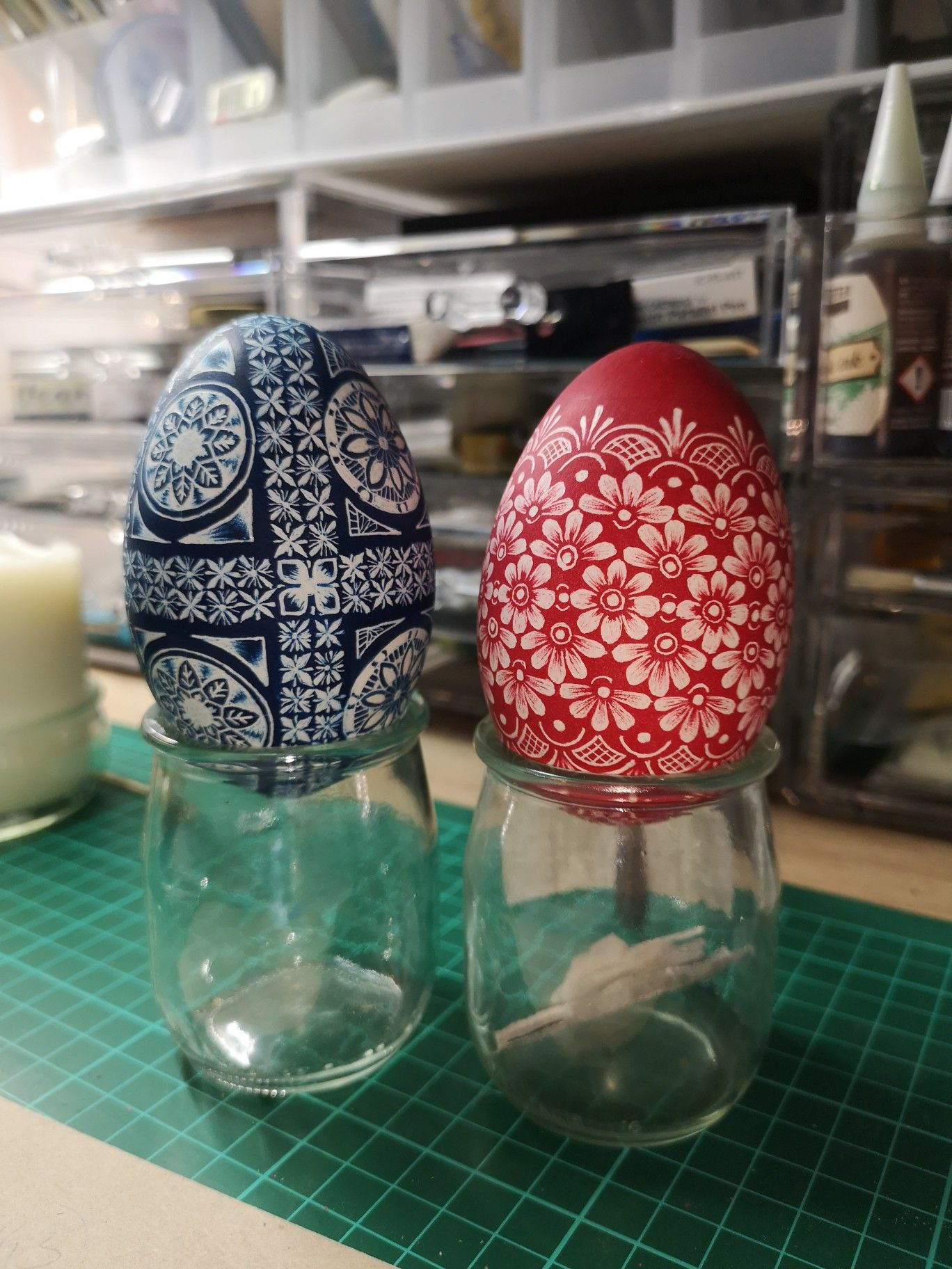 Pin By Chrissy Kolda On Inspiring Pysanky With Images Egg Decorating Egg Painting Stemless Wine Glass