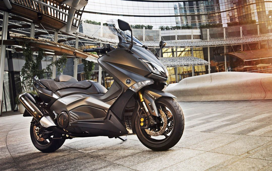 yamaha tmax iron max 2015 1 2 maxi scooters and automatic motorcycles pinterest scooters. Black Bedroom Furniture Sets. Home Design Ideas