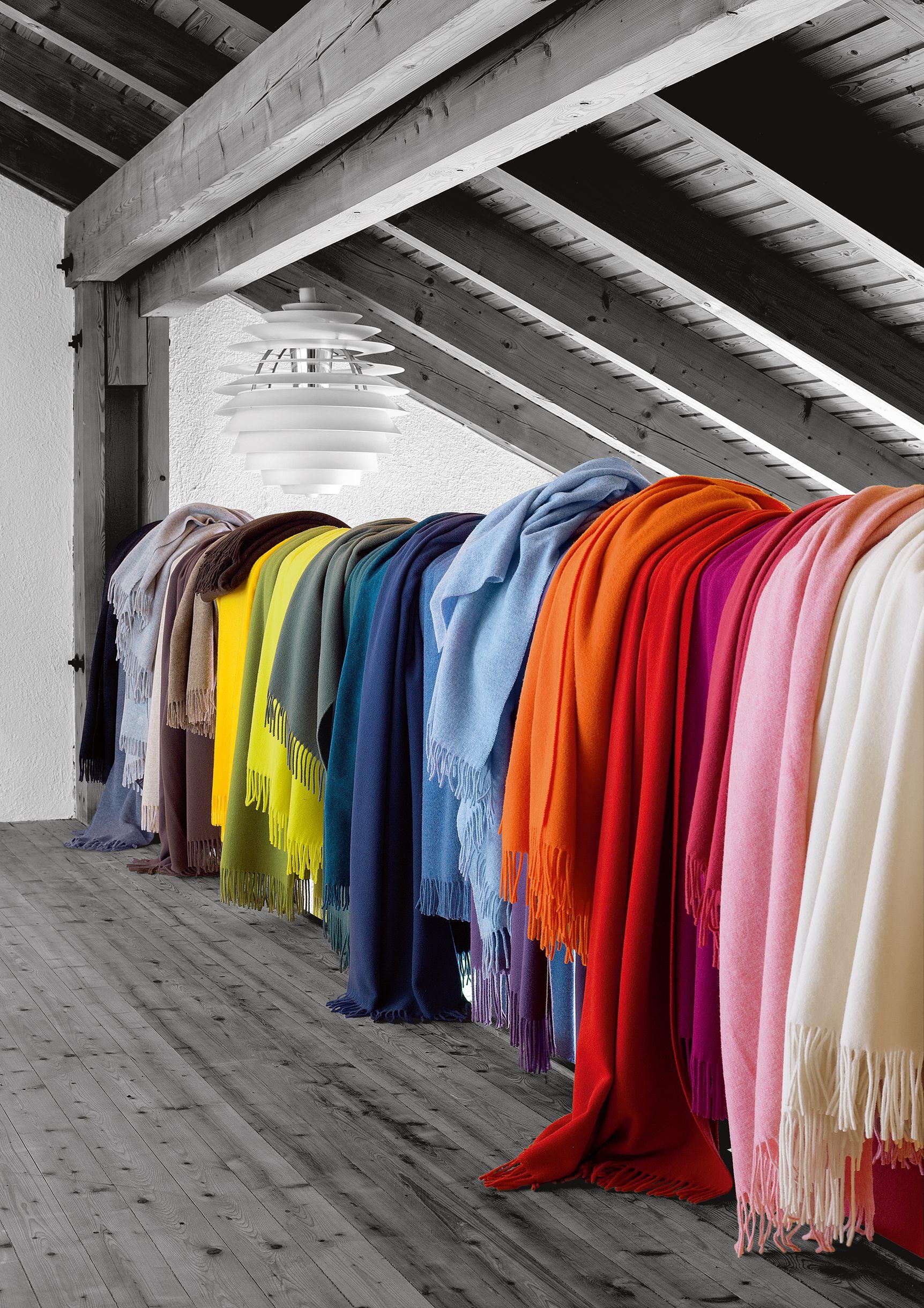 Ein echtes MUST HAVE: feines Schurwoll-Plaid in vielen tollen Farben kombinieren