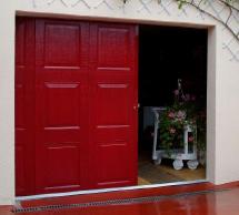 Porte De Garage Basculante Sur Mesure Debordante Sans Rail Porte Garage Garage Porte De Garage Sectionnelle