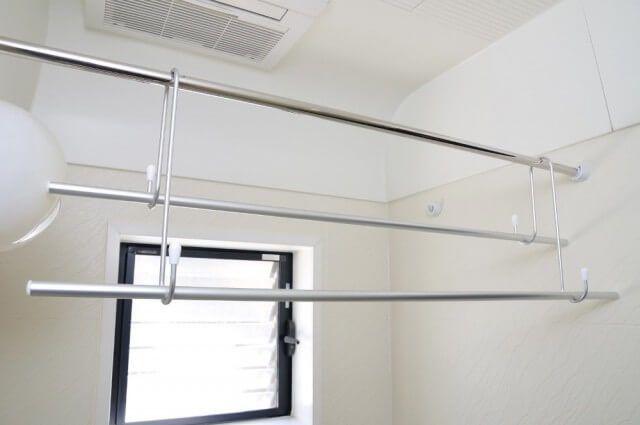 狭いスペースでも干せる おすすめの部屋干し 室内干しグッズや