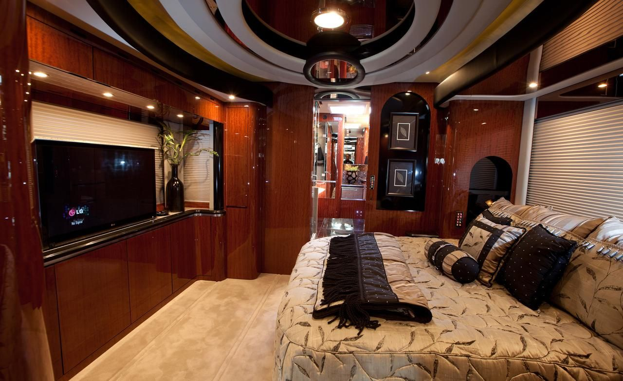 Lovely Luxury RV Interiors | Newell P2000i RV Interior Photo